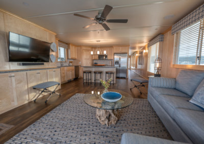 lux series houseboat